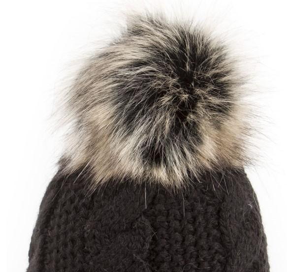 bonnet u capa beauty noir pompon fausse fourrure. Black Bedroom Furniture Sets. Home Design Ideas